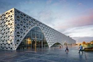 """Marocco: la nuova stazione ferroviaria TGV reinterpreta l'elemento architettonico arabo tradizionale """"mashrabiya"""""""