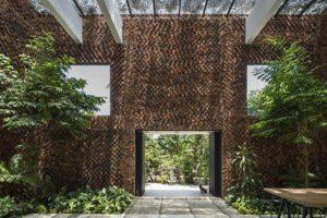 Vietnam: una casa con pareti che respirano migliorano la qualità dell'aria interna