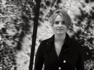 Da Gaggenau a Milano Donne, mito, resilienza e Covid19 nella mostra LEDA E IL CIGNO NERO di Julia Bornefeld